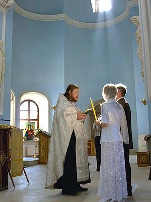 Готовимся к венчанию — отличные свадебные салоны в помощь!