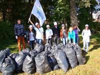 Столько мусора собрали волонтеры в Бауманском лесу.