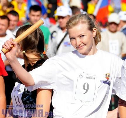 эстафетная палочка спортсменка бегунья эстафета