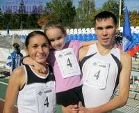 Спортивная семья Пучковых уже второй год участвует в эстафете «Советской Чувашии» со своей дочкой.