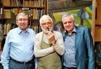 художники В. Васильев, В. Микита и И. Небесник – ректор ЗХИ, профессор.