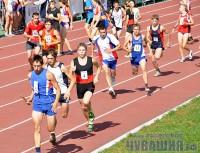 Уже с самого старта в соревновательной группе общеобразовательных школ ребята из Траковской гимназии бросились вперед.