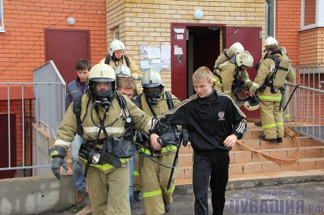 С 25 по 28 сентября на территории республики проводятся командно-штабные учения <br> Фото Л. ДАНИЛОВОЙ пожар эвакуация пожарные пожарники