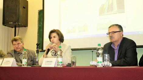 Выступление министра здравоохранения республики А. Самойловой на общественных слушаниях по вопросу строительства поликлиники в центре Чебоксар