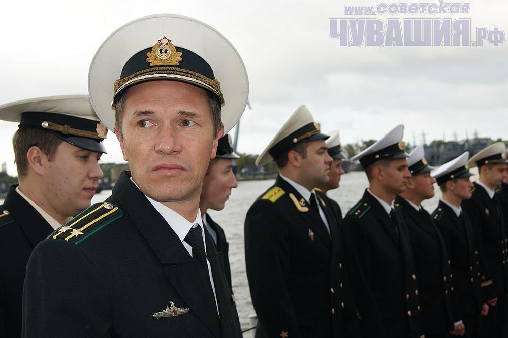 "Командир сторожевого корабля ""Чебоксары"" Д. Биченко <br> Фото А. СОЛОВЬЕВА"
