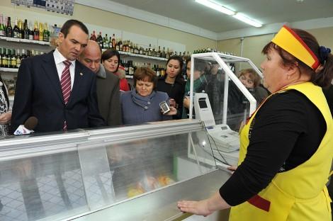 Глава Чувашии Михаил Игнатьев посетил магазин