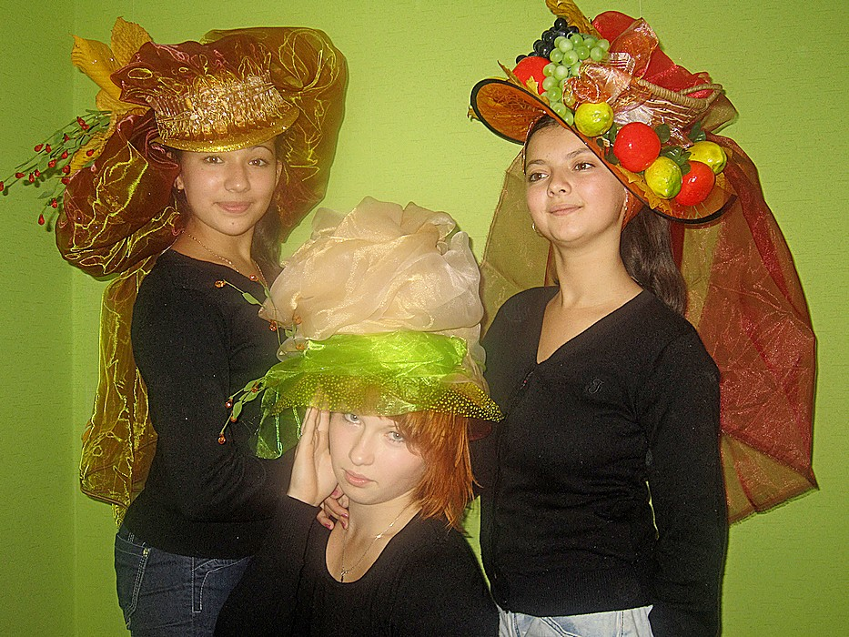 Шляпа из кленовых листьев. Мастер класс oblacco