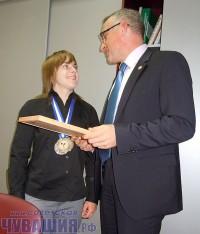 20-летняя Наталья Хлесткина порадовала своих земляков победой на чемпионате мира по тяжелой атлетике среди студентов.