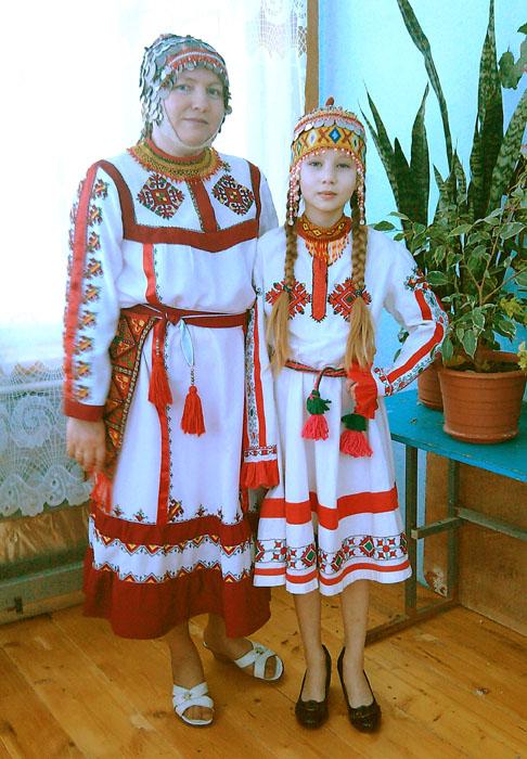 Вышивка на чувашских платьях