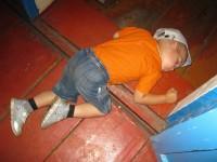 спящий мальчик2