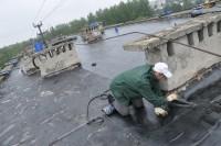 Дырявые крыши ремонтировать все равно придется