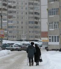 Ходить пешком полезно в любом возрасте. Фото Олега  МАЛЬЦЕВА.