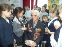 Василий Кондратьевич на встрече с гимназистами. Фото cap.ru
