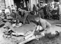 1944 год. Воспитанники одного из детских домов республики на субботнике. Фото из Государственного архива современной истории Чувашии.
