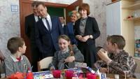 В Ярославле Дмитрий Медведев посетил центр социальной помощи семье и детям.Фото government.ru