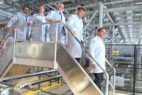 При посещении завода солнечных модулей «Хевел» Дмитрий Медведев назвал его одной из новых точек роста промышленности республики.