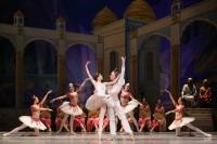 На открытии выступили солисты Большого театра Анна Никулина и Михаил Лобухин.Фото Евгения ДОБРЫНКИНА