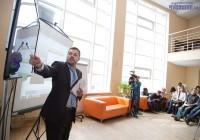 Антон Хреков разделил сведения о Чувашии на восемь информпотоков. Фото Никиты ПАВЛОВА