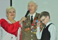 Ветеран Петр Теплов признался, что перед концертом слегка волновался.Фото Олега МАЛЬЦЕВА