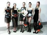 Дарья (в центре) и ее модели с коллекцией «Транс-Спорт».