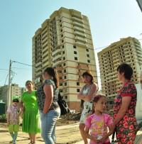 В этих домах семьям готовы предоставить квартиры.Фото Олега МАЛЬЦЕВА