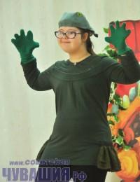Даже самые необщительные дети с удовольствием играют свои роли в сказках. Фото Олега МАЛЬЦЕВА