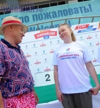 Михаил Кузнецов и Елена Скворцова. Им есть о чем поговорить. Фото Александра ЕГОРОВА