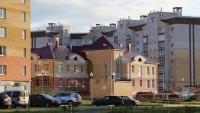 Уютный садик отлично вписался в обстановку.Фото с портала cheb.ru