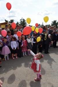 Лети, шарик, мне скоро в садик. Фото с сайта cap.ru