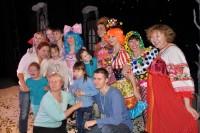 Артисты выступали не только в театрах, но и в других учреждениях.Фото с сайта cap.ru