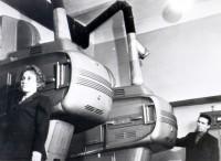 1970 год. Киноаппаратура для показа широкоформатных фильмов.