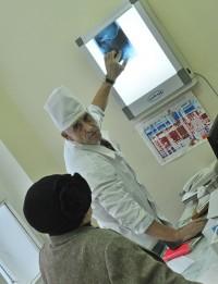 Попасть к хирургу, как уверяют в больнице, можно в день записи.Фото Олега МАЛЬЦЕВА