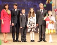 Сыновья Артемий, Николай и дочь Карина – тройное счастье семьи Магариных.