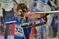 Павел Охотников относится к стрельбе серьезно. Фото СДЮСШОР-2