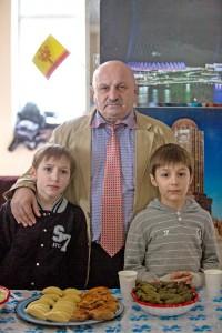 Замаил Насибов чувашский язык изучает вместе с внуками. Фото Максима ВАСИЛЬЕВА