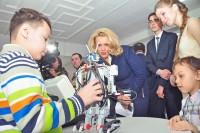 У юных мастеров выставки робототехники «олимпийские» достижения впереди. Фото Олега МАЛЬЦЕВА