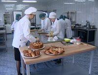 Печь булочки тоже увлекательная работа. Фото предоставлено Минтрудом Чувашии
