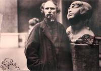 Степан Эрьзя на выставке в Париже. 1927 г.Фото с сайта alabin.ru