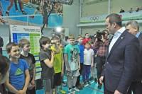 Школьники рассказали Главе республики, как они готовятся к сдаче норм «ГТО», и показали свои результаты.Фото Олега МАЛЬЦЕВА