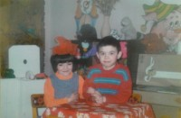Лена и Рома – в детском доме. Одна из немногих совместных фотографий.Фото из семейного архива
