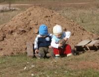 Без присмотра малышей оставлять нельзя. Фото Алены КАЗАНЦЕВОЙ