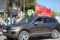 Бравые ветераны проехали по Моргаушам под знаменем Победы.