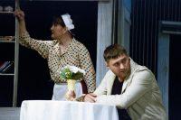 Любовь возрождает разуверившегося во всем следователя Шаманова, нового героя Валерия Карпова.
