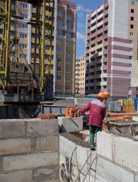 Около 70 проц. жилья в республике строится на средства дольщиков.Фото из архива редакции