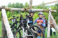 Переправа велосипедов по канатному пути тоже входила в программу соревнований. Фото cap.ru