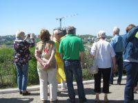 К чебоксарским высоткам у жителей и гостей города отношение неоднозначное. Фото автора