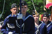 Чести нести знамя удостоены лучшие юнармейцы.Фото Олега МАЛЬЦЕВА