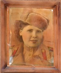 Евгения Дмитриевна Кириллова (Баляева) (г. Алатырь) ушла на фронт добровольно в 17 лет (2-й батальон)