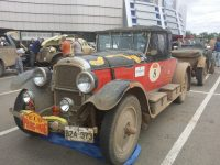 Водителю этой иномарки можно позавидовать.Фото pikabu.ru