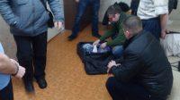 В ходе обыска в квартире, которую нижегородец снял в Чебоксарах, было изъято несколько тысяч упаковок запрещенных препаратов.